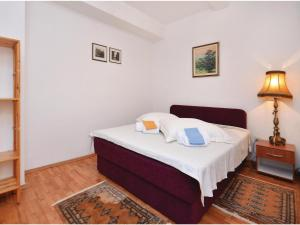 Holiday Home Sucuraj with Sea View 08, Дома для отпуска  Sućuraj - big - 15