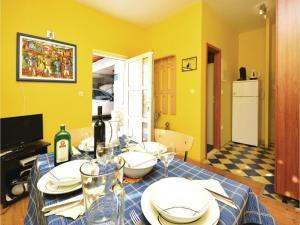 One-Bedroom Apartment in Jelsa, Apartmanok  Jelsa - big - 18