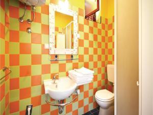 One-Bedroom Apartment in Jelsa, Apartmanok  Jelsa - big - 7