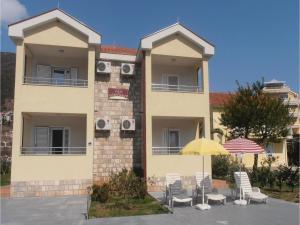 One-Bedroom Apartment Denovici 0 05