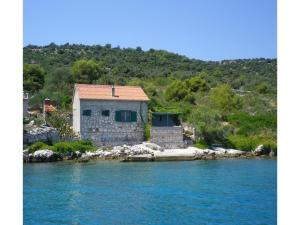 Two-Bedroom Holiday Home in Kornati, Case vacanze  Pristanišće - big - 1