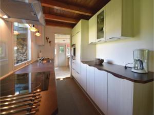 Three-Bedroom Holiday home Fårvang with a Fireplace 09, Дома для отпуска  Fårvang - big - 18
