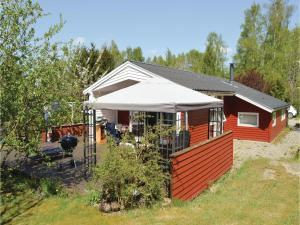 Three-Bedroom Holiday Home in Farvang, Nyaralók  Fårvang - big - 1