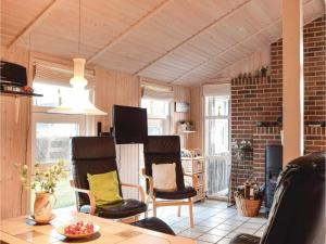 Three-Bedroom Holiday Home in Juelsminde, Ferienhäuser  Sønderby - big - 11