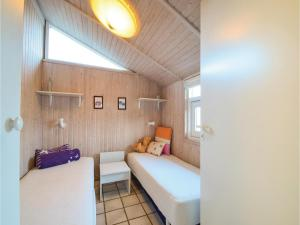 Three-Bedroom Holiday Home in Juelsminde, Дома для отпуска  Sønderby - big - 8