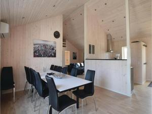 Four-Bedroom Holiday Home in Juelsminde, Ferienhäuser  Sønderby - big - 3