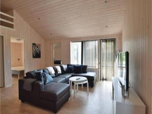 Four-Bedroom Holiday Home in Juelsminde, Ferienhäuser  Sønderby - big - 6