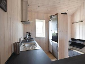 Four-Bedroom Holiday Home in Juelsminde, Case vacanze  Sønderby - big - 18