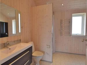 Four-Bedroom Holiday Home in Juelsminde, Ferienhäuser  Sønderby - big - 13