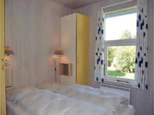 Four-Bedroom Holiday Home in Juelsminde, Nyaralók  Sønderby - big - 6