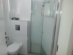 Kfar Saba Studio Apartment, Ferienwohnungen  Kefar Sava - big - 28
