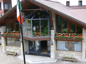 Bella Italia & EFA Village