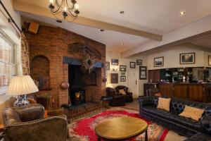 The Fox & Hounds Country Hotel (3 of 36)