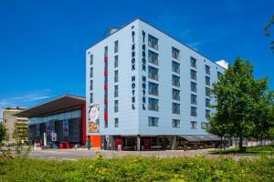 bigBOX Allgäu Hotel, Отели  Кемптен - big - 1