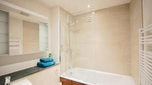 101 Lexham Gardens APT. 9, Apartmanok  London - big - 14