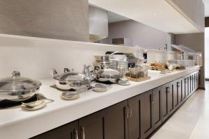 DoubleTree by Hilton Milwaukee/Brookfield, Hotels  Brookfield - big - 2