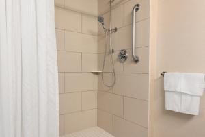 DoubleTree by Hilton Milwaukee/Brookfield, Hotels  Brookfield - big - 4