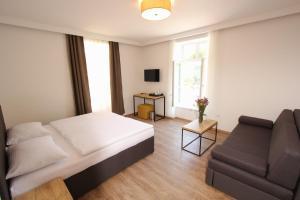 Riverside Residence, Guest houses  Sarajevo - big - 18