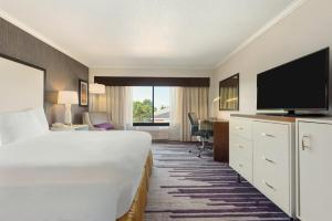 DoubleTree by Hilton Milwaukee/Brookfield, Hotels  Brookfield - big - 11