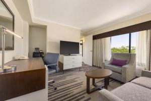 DoubleTree by Hilton Milwaukee/Brookfield, Hotels  Brookfield - big - 13