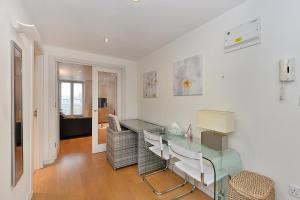 101 Lexham Gardens APT. 9, Apartmanok  London - big - 16
