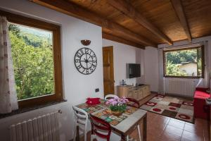 Laura's Holiday House on Como Lake, Ferienhäuser  Valbrona - big - 38