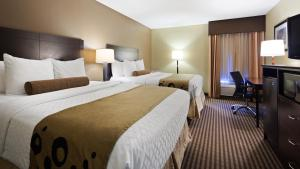 Queen Room with Two Queen Beds - Disability Access - Non Smoking