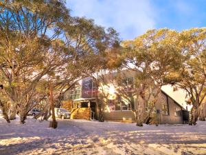AJAX Ski Club - Hotel - Mount Buller