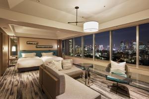Renovated Panoramic Junior Suite Room - Non-Smoking