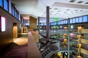 Best Western Plus Village Park Inn, Hotel  Calgary - big - 40