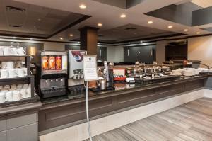 Best Western Plus Village Park Inn, Hotel  Calgary - big - 60