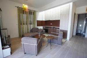 Budva Bay Breeze Apartments, Ferienwohnungen  Budva - big - 99