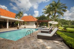 Villa Clásica de 4 dormitorios con carrito de golf incluido