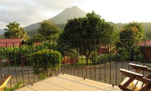 Deluxe Bungalow Volcano View