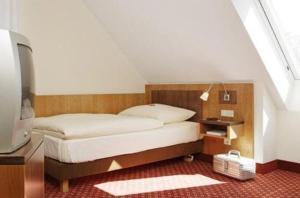 Hotel Landgasthof Gschwendtner, Hotely  Allershausen - big - 2