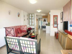 Three-Bedroom Apartment in Melissi, Apartmány  Melission - big - 5