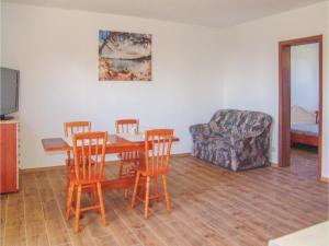 Two-Bedroom Apartment in Gaski, Appartamenti  Gąski - big - 11