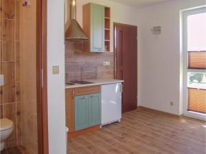 Two-Bedroom Apartment in Gaski, Apartmány  Gąski - big - 16