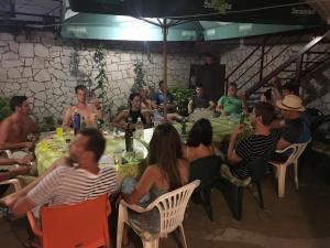 Guesthouse Adi, Penziony  Mostar - big - 34