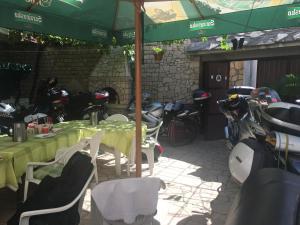 Guesthouse Adi, Penziony  Mostar - big - 30