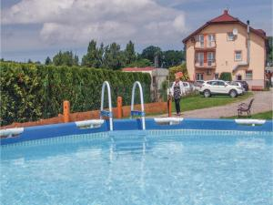 Two-Bedroom Holiday Home in Gaski, Holiday homes  Gąski - big - 13