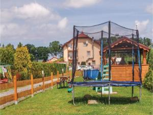 Two-Bedroom Holiday Home in Gaski, Dovolenkové domy  Gąski - big - 10
