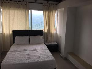 Hotel Castelloblanco, Hotel  Socorro - big - 1