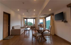 Hotel Pacific Mussoorie, Resorts  Mussoorie - big - 9