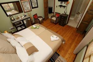Deluxe tweepersoonskamer met 1 tweepersoonsbed of 2 aparte bedden met badkamer