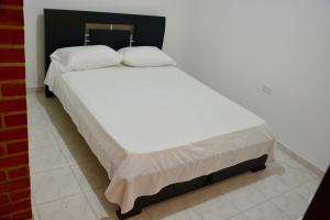 Ideal para familias, empresarios o viajeros, Appartamenti  Cali - big - 5