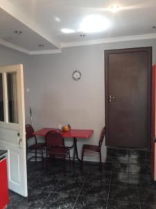 Borjomi Townhouse, Alex, Apartmány  Borjomi - big - 8