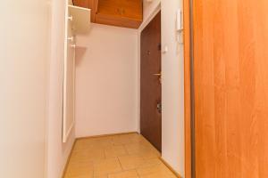 Rent like home - Apartament Niska 19, Апартаменты  Варшава - big - 11