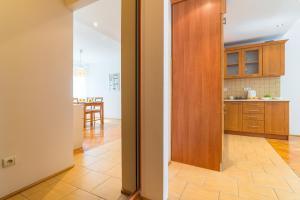 Rent like home - Apartament Niska 19, Апартаменты  Варшава - big - 9