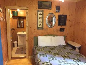 Twig Cabin
